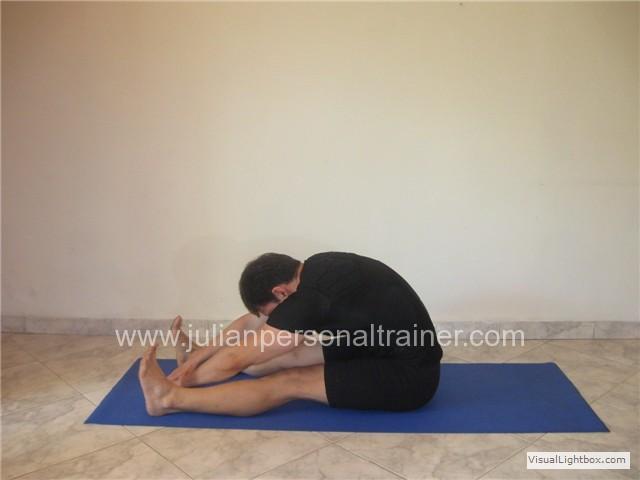 Ejercicio Pilates - Spine stretch forward
